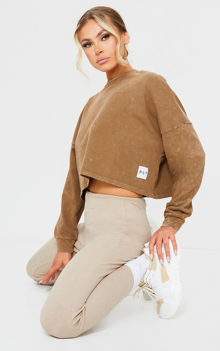 PRETTYLITTLETHING Brown Label Washed Long Sleeve Crop T Shirt 1