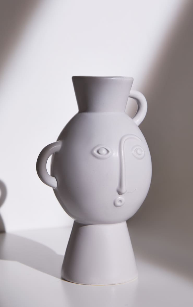 Grey Amira Face Vase With Handles 4