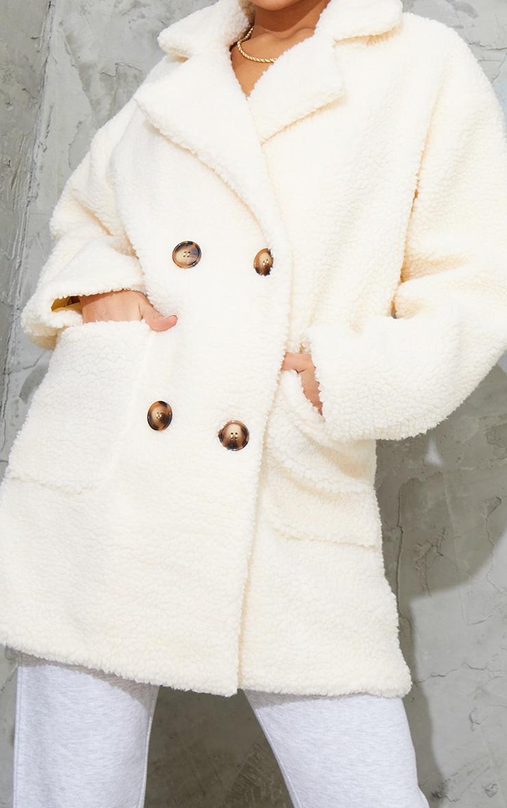 Manteau mi-long en imitation peau de mouton crème 4