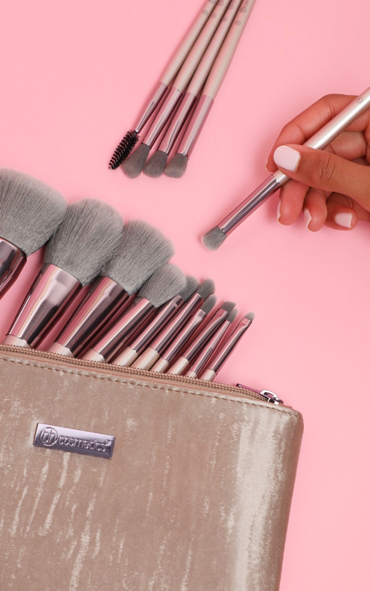 BH Cosmetics Lavish Elegance 15 Piece Brush Set with Bag 1