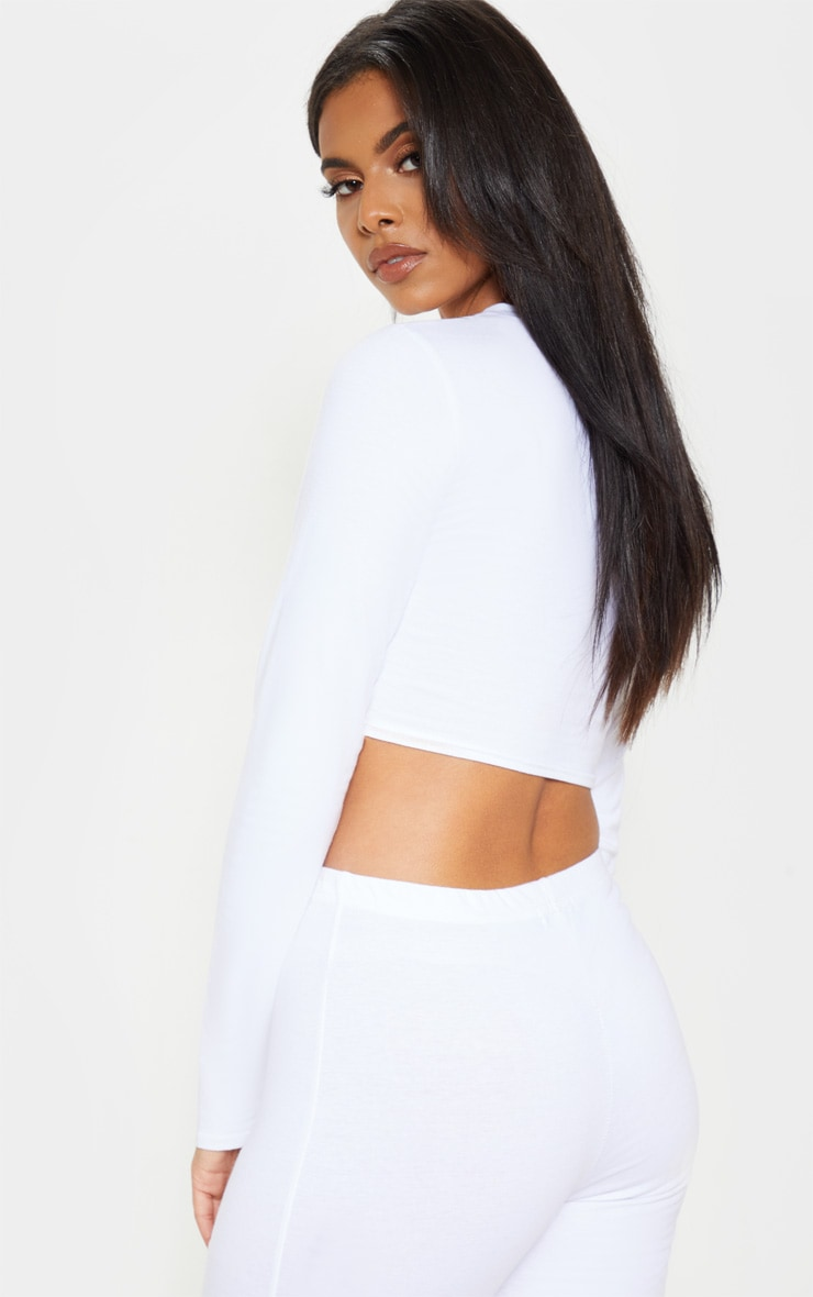 Crop top blanc à manches longues brodé PRETTYLITTLETHING 2