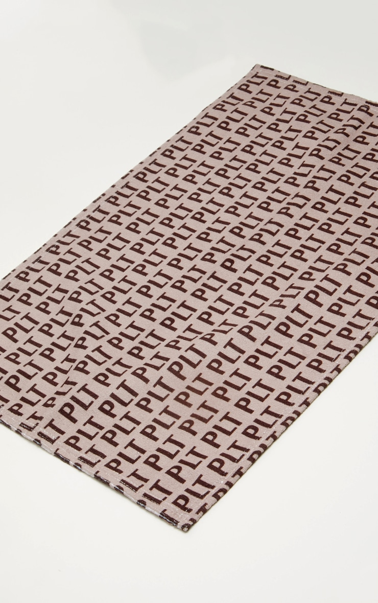 PRETTYLITTLETHING Brown Monogram Gym Towel 4