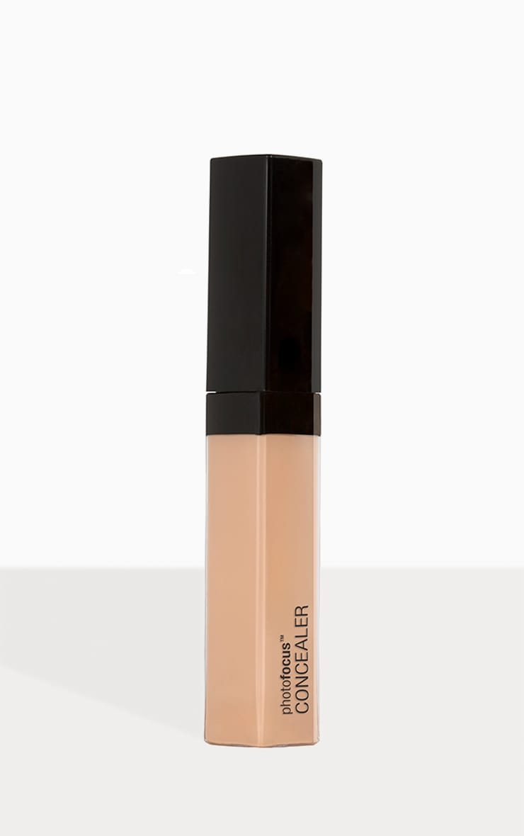 wet n wild Photo Focus Concealer Light Ivory 2