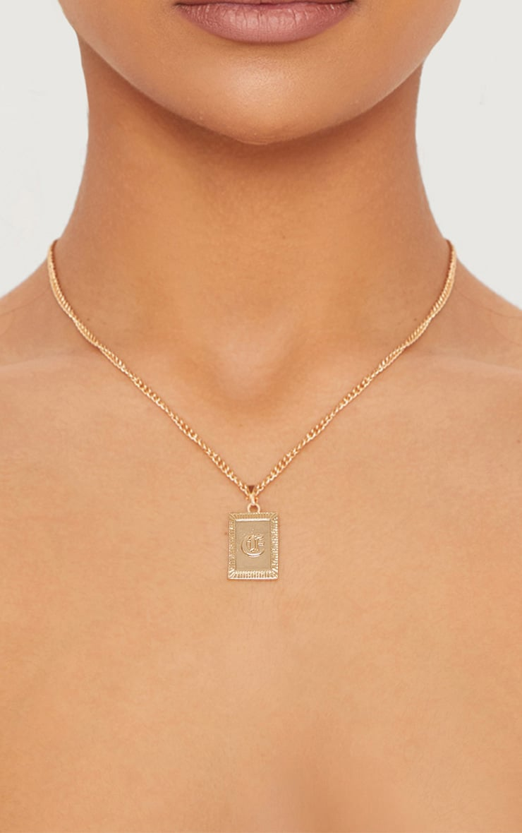 Gold Square Letter E Pendant Necklace 1