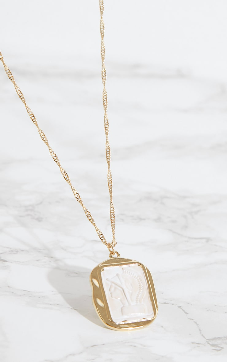 Gold Cameo Pendant Necklace 3