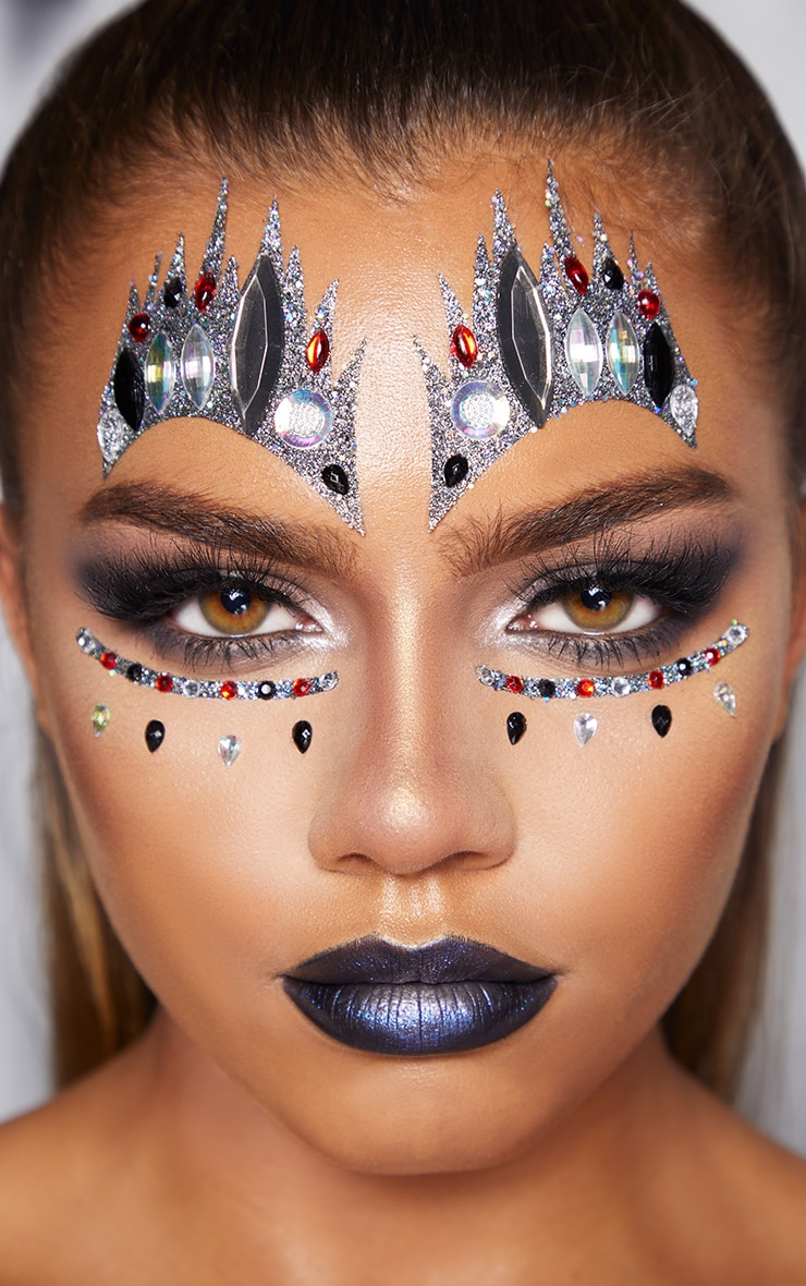 PRETTYLITTLETHING Queen of Hearts Face Stickers 1