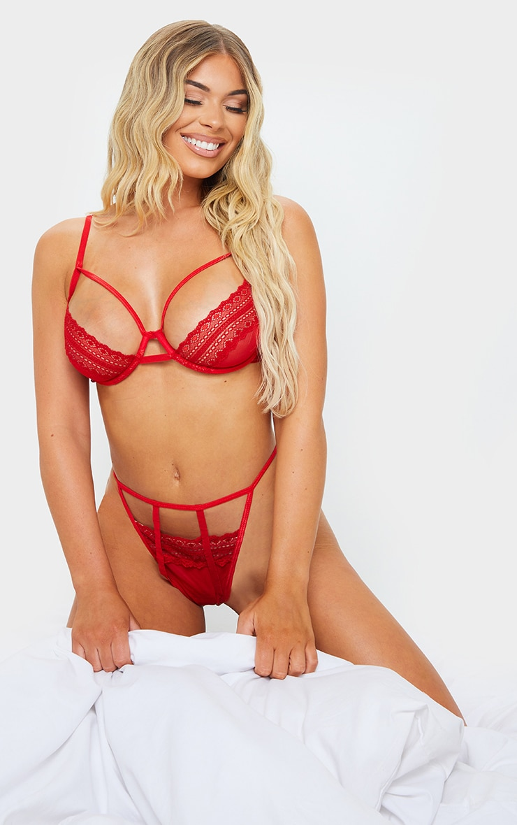 Red Geo Lace Strapping Underwired Lingerie Set 3