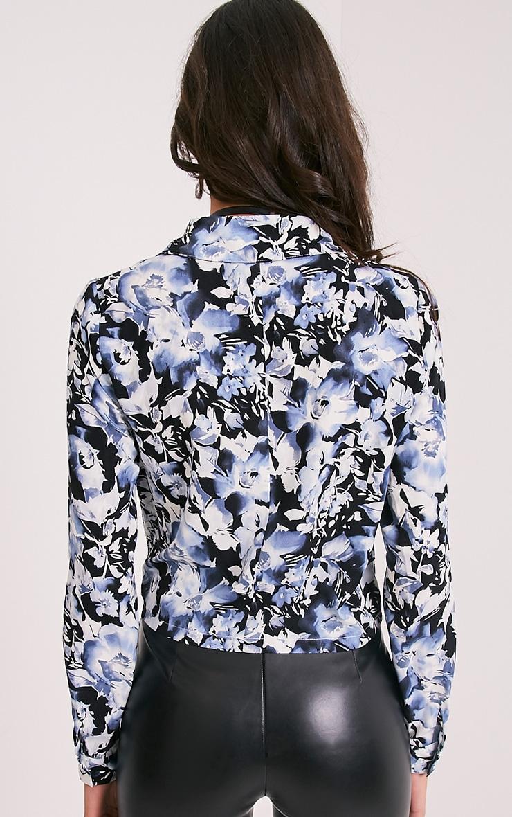 Avalyn chemisier cache-cœur bleu à nœud sur le devant et imprimés floraux 2