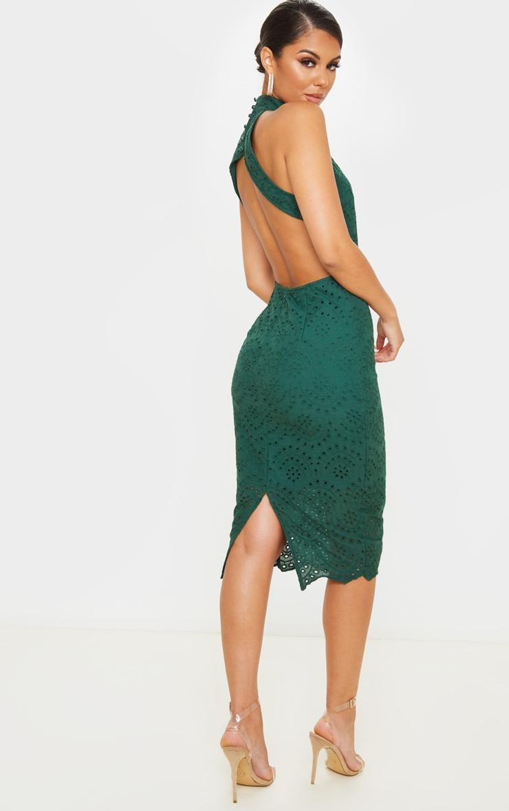 Robe mi-longue dos nu en dentelle vert émeraude 1