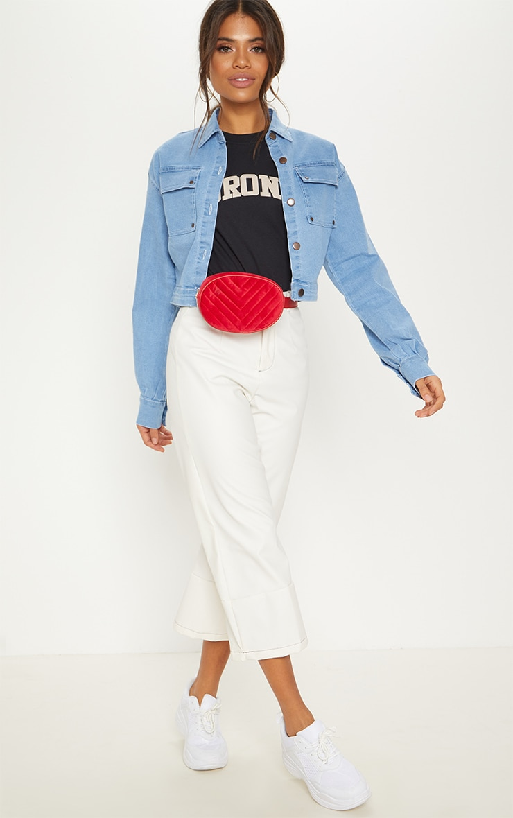 Light Wash Oversized Cropped Trucker Denim Jacket  4