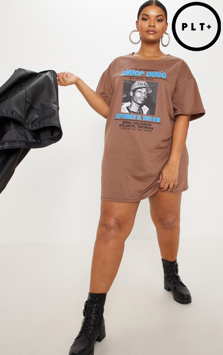 b472f83b66b11 plus-snoop-dogg-tour-chocolate-brown-oversized-t-
