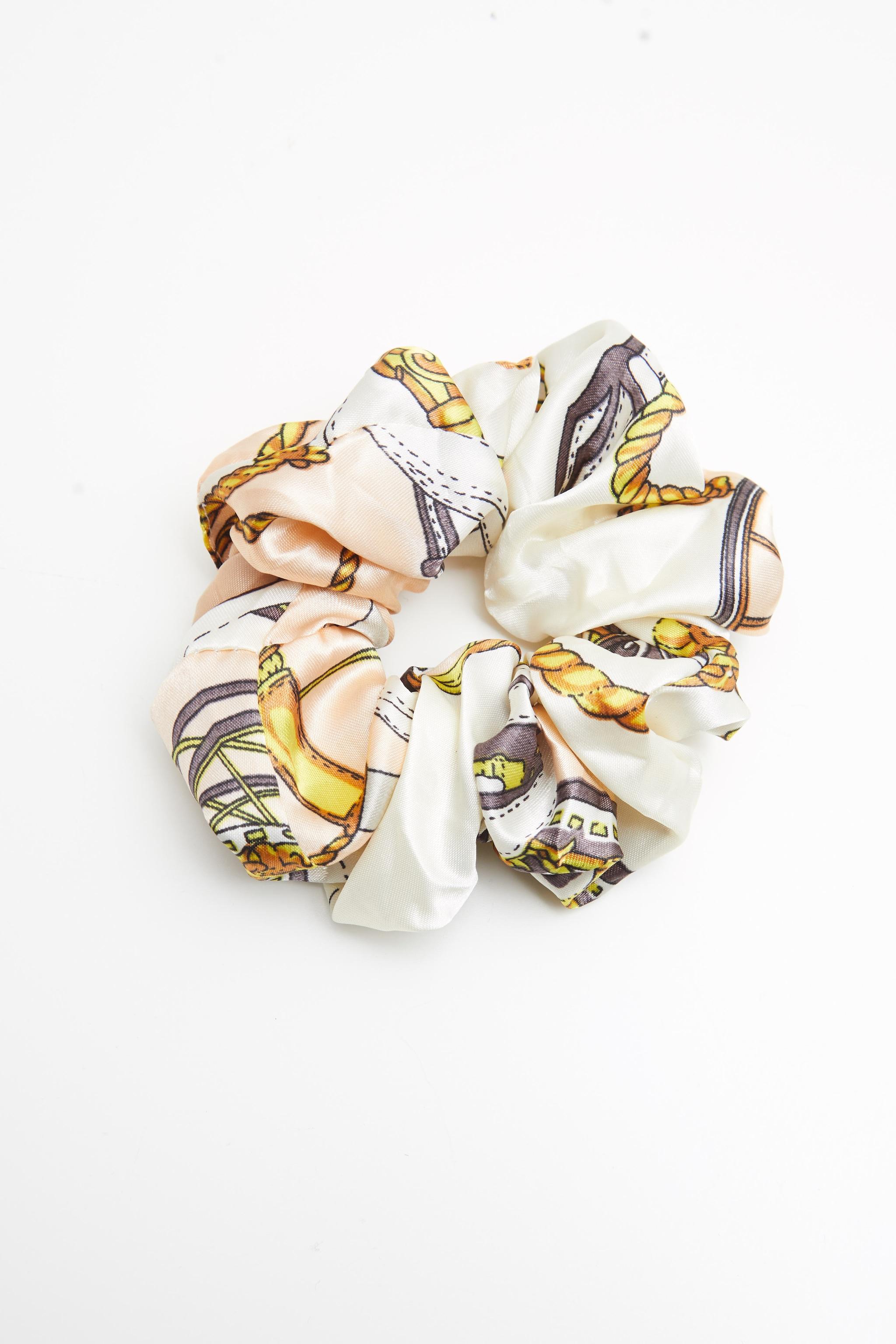 Chouchou satiné à imprimé foulard crème 2