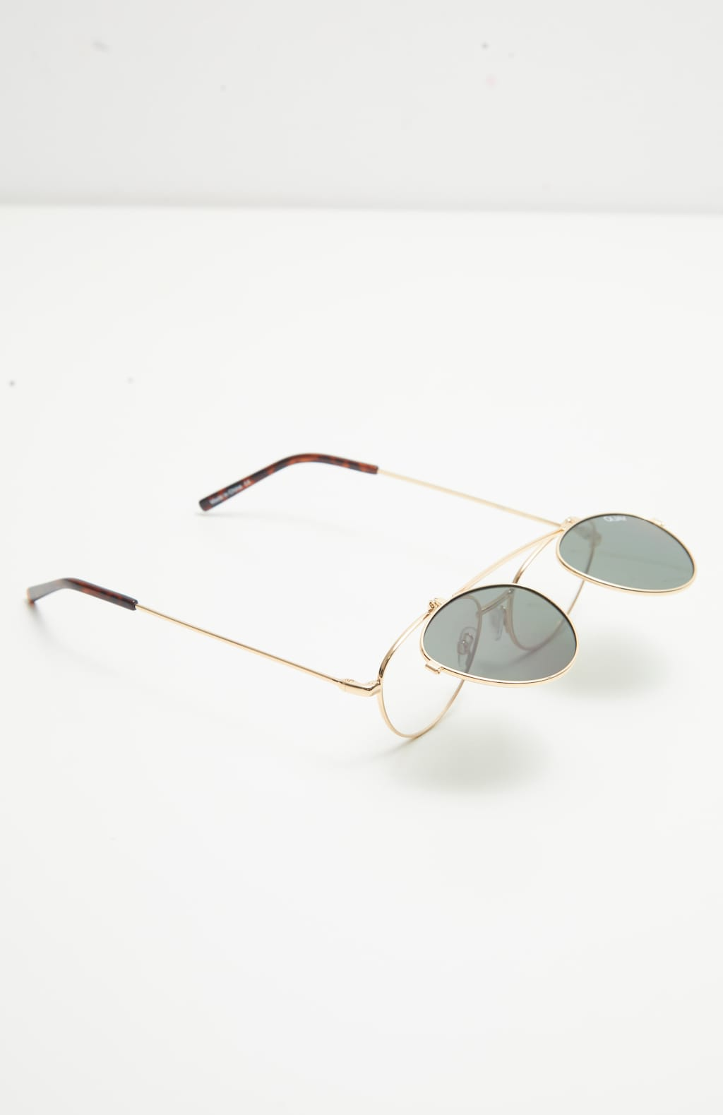 69a37d7ebb QUAY AUSTRALIA X Elle Ferguson Collaboration Green Elle Sunglasses image 5