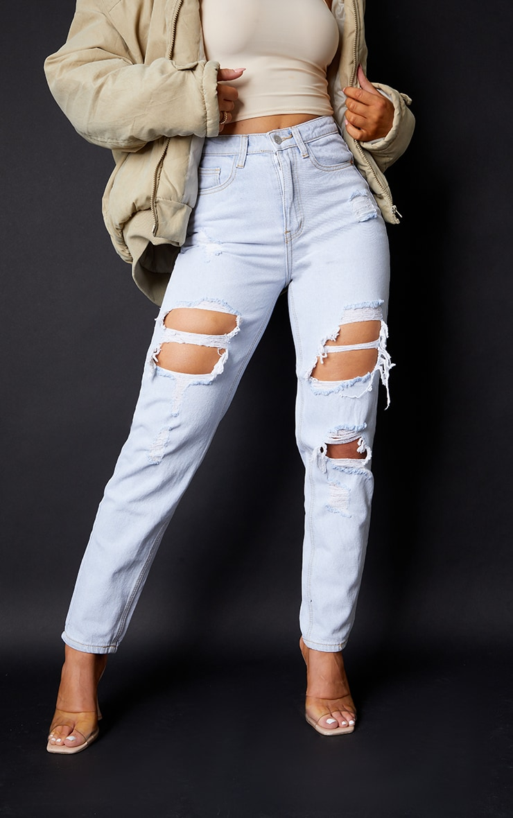PRETTYLITTLETHING Light Bleach Wash Ripped Mom Jeans 2