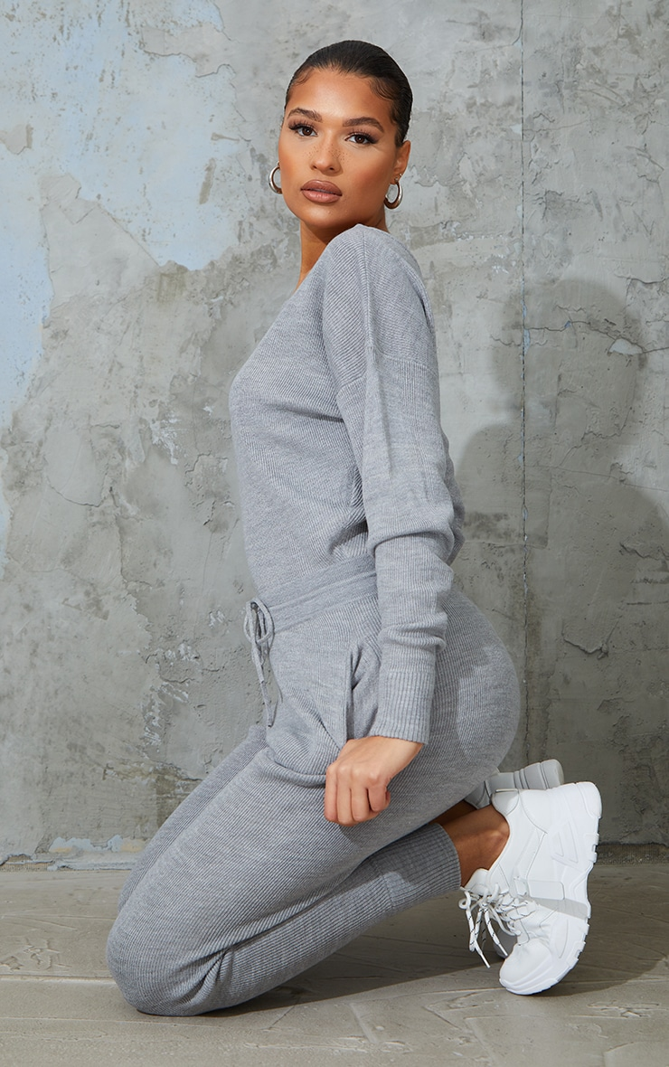 Grey Knitted Lounge Set 3