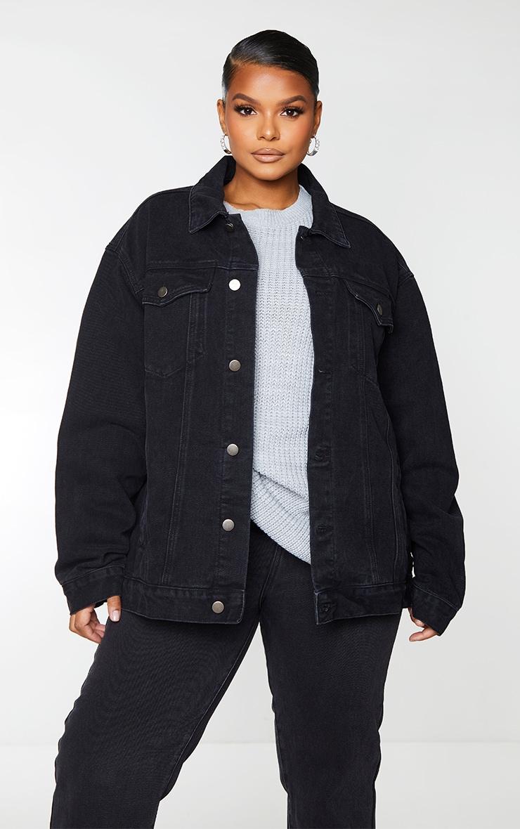 PRETTYLITTLETHING Plus Black Oversized Boyfriend Denim Jacket 3