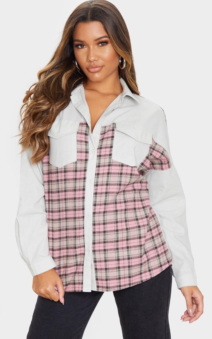 Chemise oversize grise à partie carreaux contrastante 1