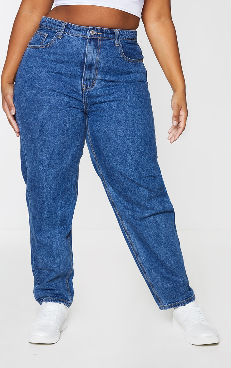 PRETTYLITTLETHING Plus Dark Blue Mom Jeans 2