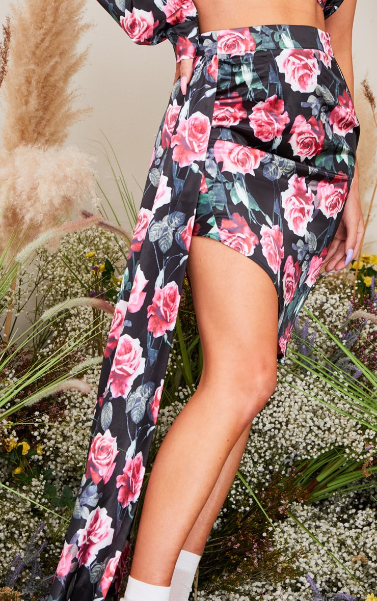 Black Rose Printed Satin Ruched Side Skirt 4