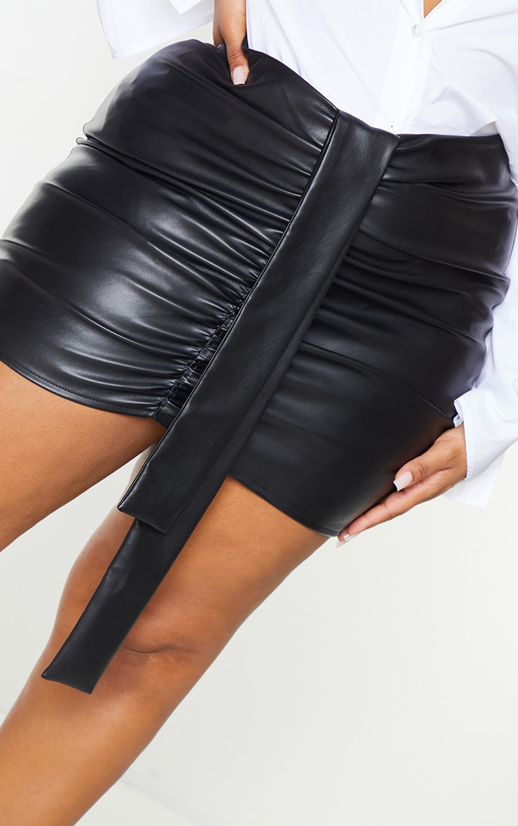 Plus Black Faux Leather V Front Ruched Mini Skirt 5