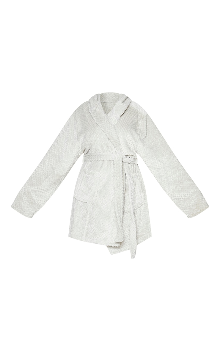 PRETTYLITTLETHING Plus Light Grey Textured Fluffy Dressing Gown 5