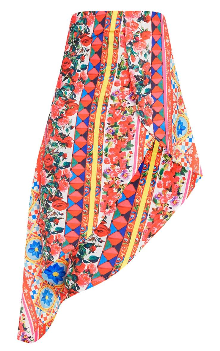 Jupe rouge asymétrique satinée à imprimé floral 3