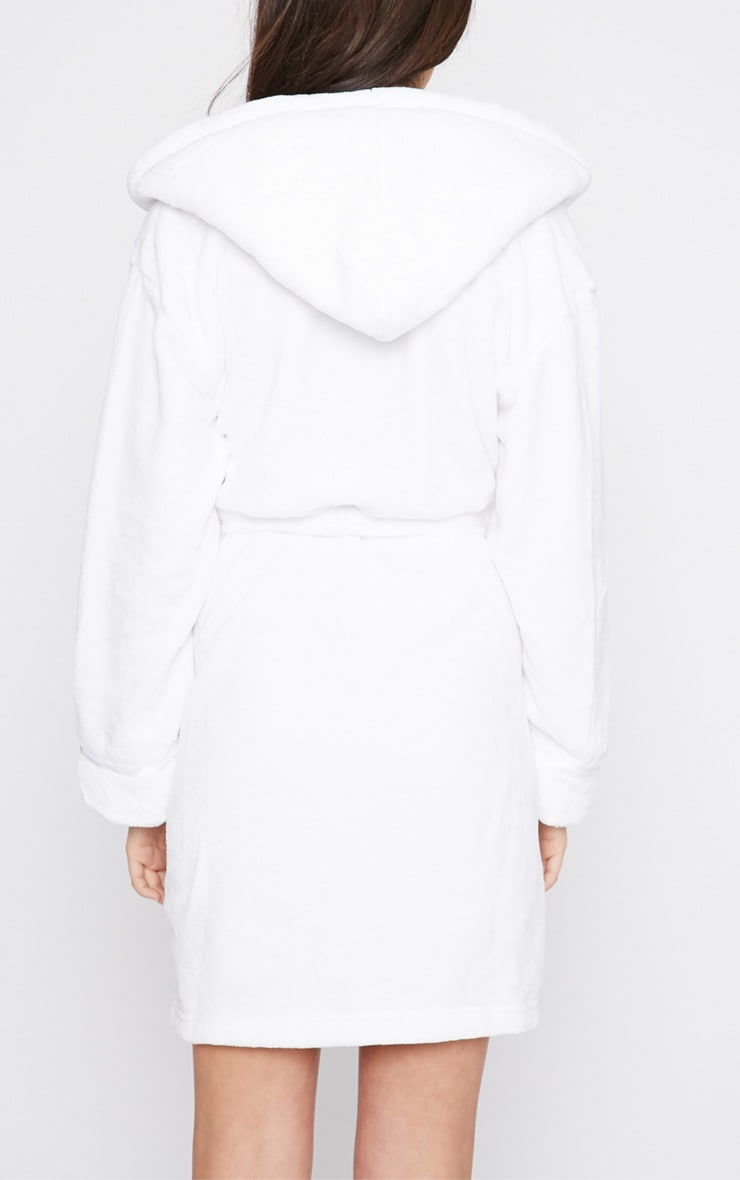 Erin White Fleece Dressing Gown  2