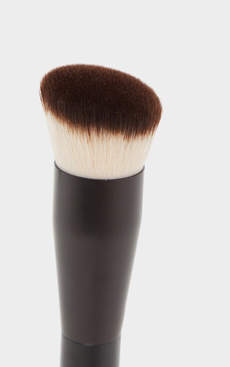 NYX PMU Can't Stop Won't Stop Foundation Brush  3
