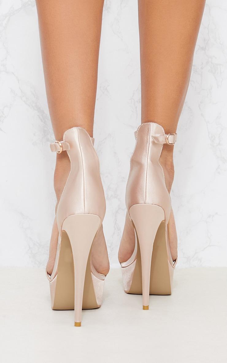 Sandales satinées nude à talons plateformes 4