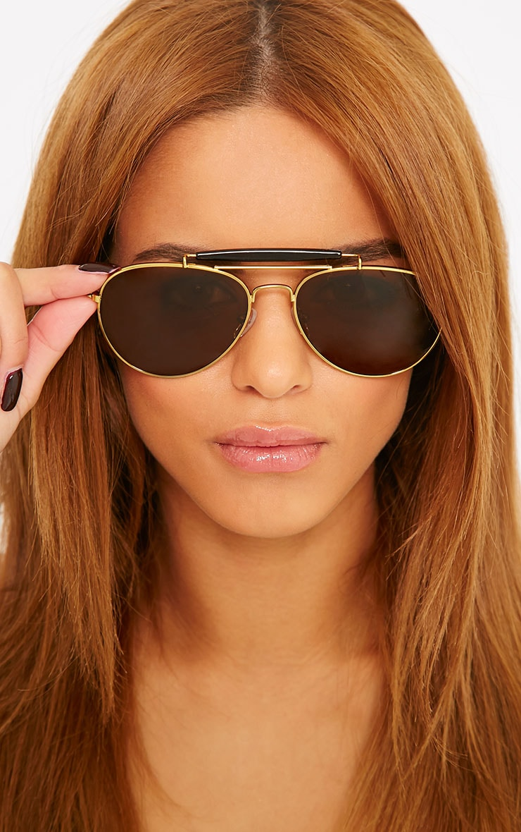 Lila Gold Frame Black Bar Aviators 1