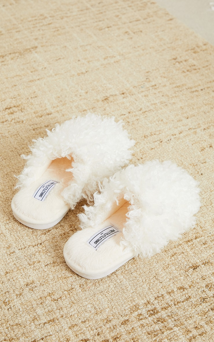 PRETTYLITTLETHING Home Cream Curly Fur Mule Slippers 3