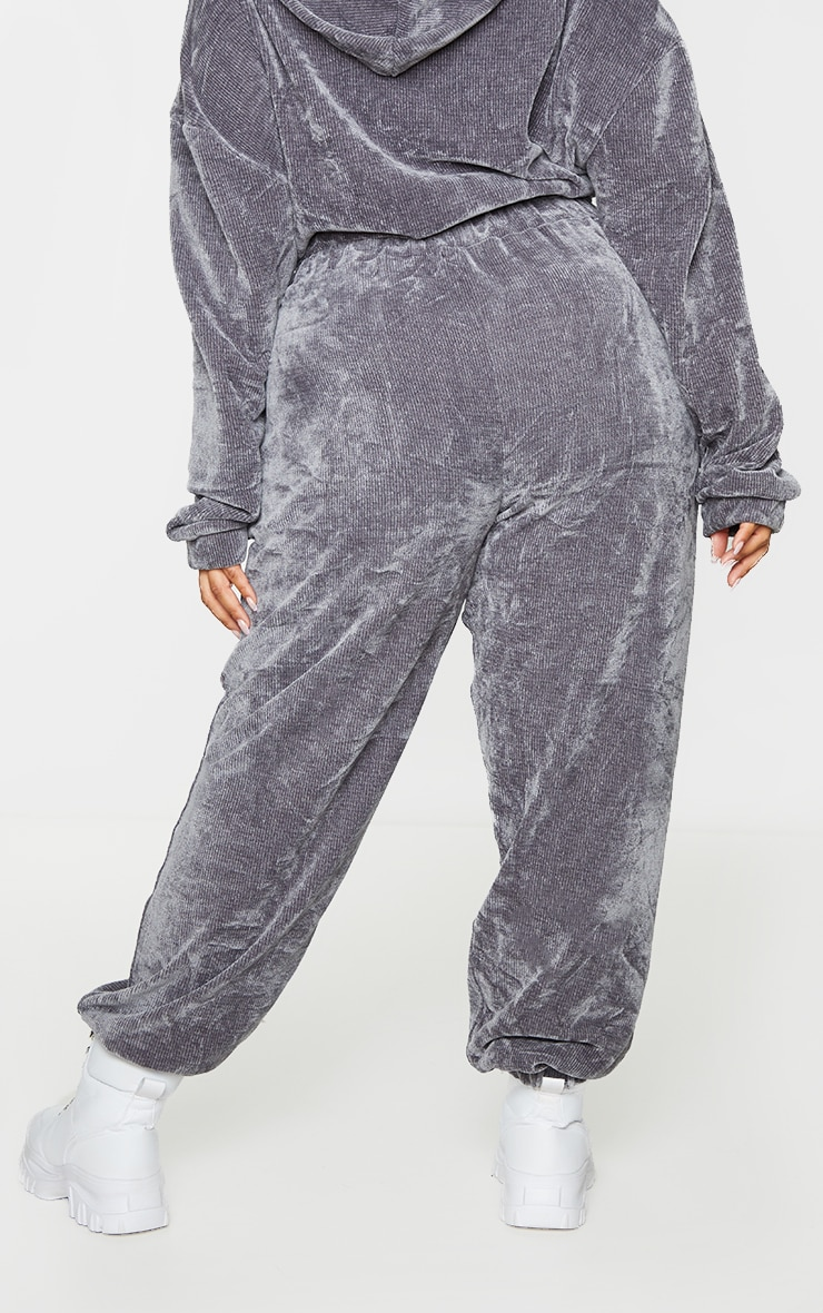 PRETTYLITTLETHING Plus Charcoal Rib Velour Joggers 3