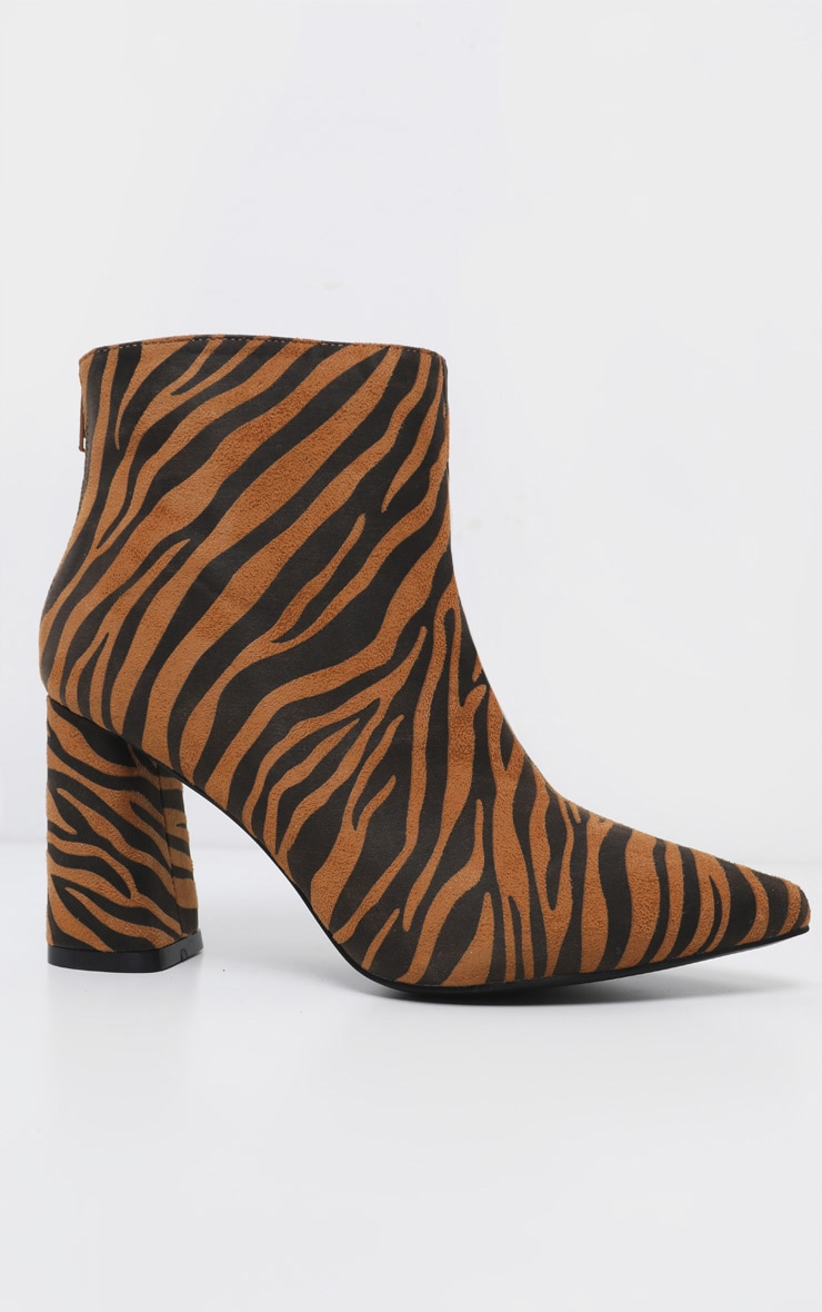 Tiger Print Block Heel Point Ankle Boot 3