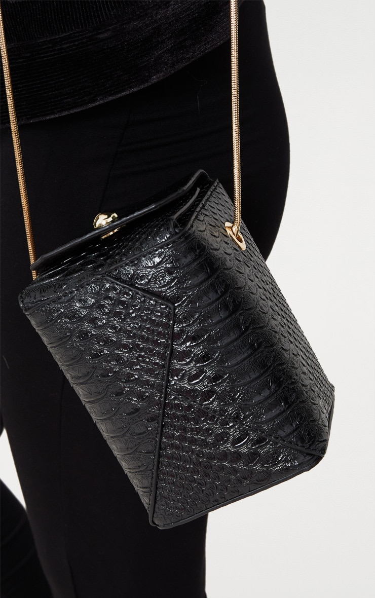 Black Rectangle Textured Chain Body Bag 2