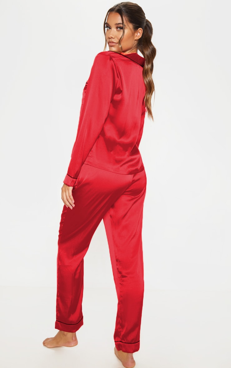 PRETTYLITTLETHING - Ensemble de pyjama satiné rouge à poches 2