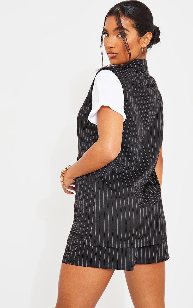 Blazer noir à fines rayures structuré sans manches à épaulettes 2