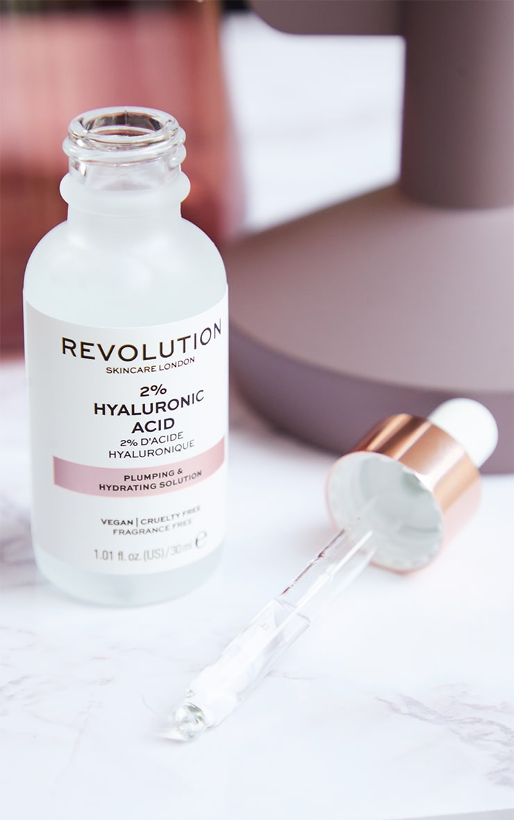 Revolution Skincare Plumping and Hydrating Serum - 2% Hyaluronic Acid 1
