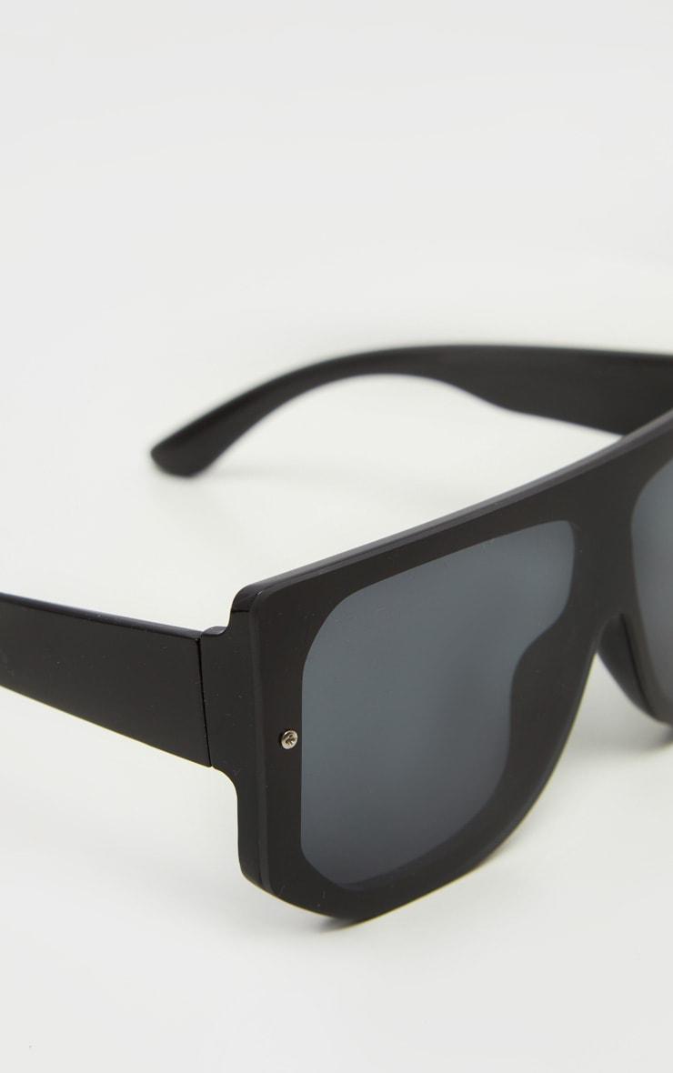 Black Oversized Back Frame Sunglasses 3