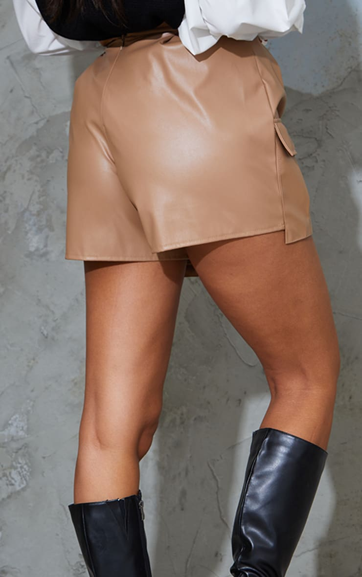 Camel Faux Leather Pocket Detail Pleated Shorts 3