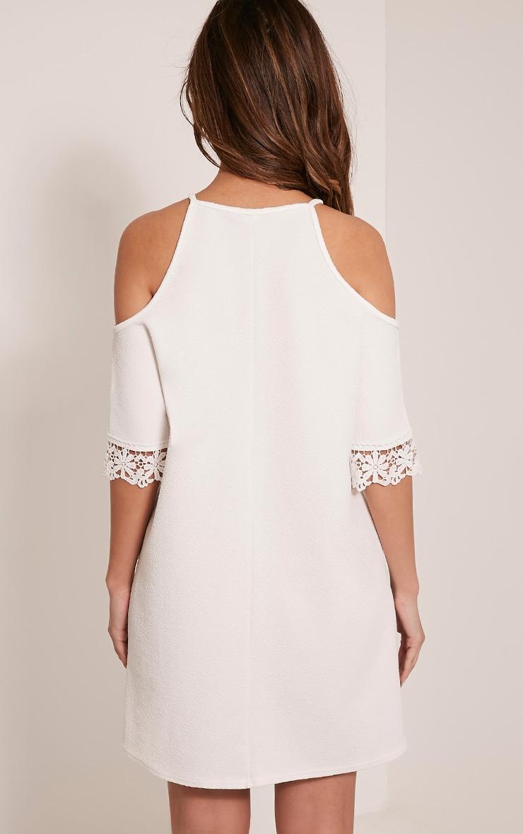Christie robe en dentelle épaules dénudées blanche 2
