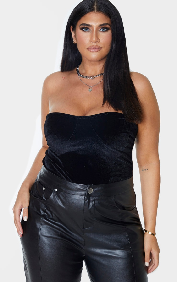 Plus Black Velvet Cup Detail Corset Crop Top 1