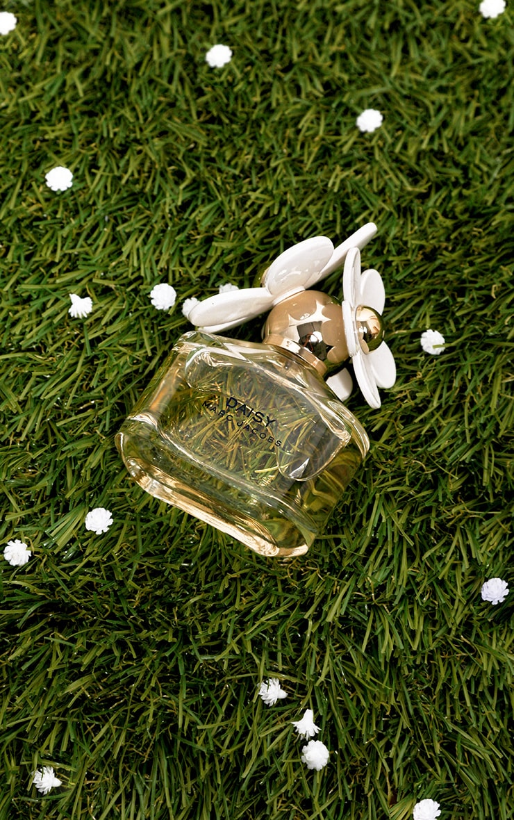 Marc Jacobs Daisy Eau De Toilette 50ml image 1