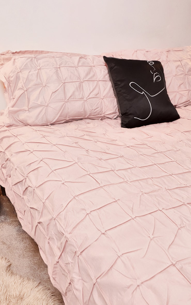 Dusty Pink Ruched Pin Tuck Double Duvet Set Prettylittlething Ie