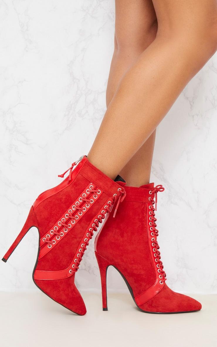 bottines rouges lacets collant