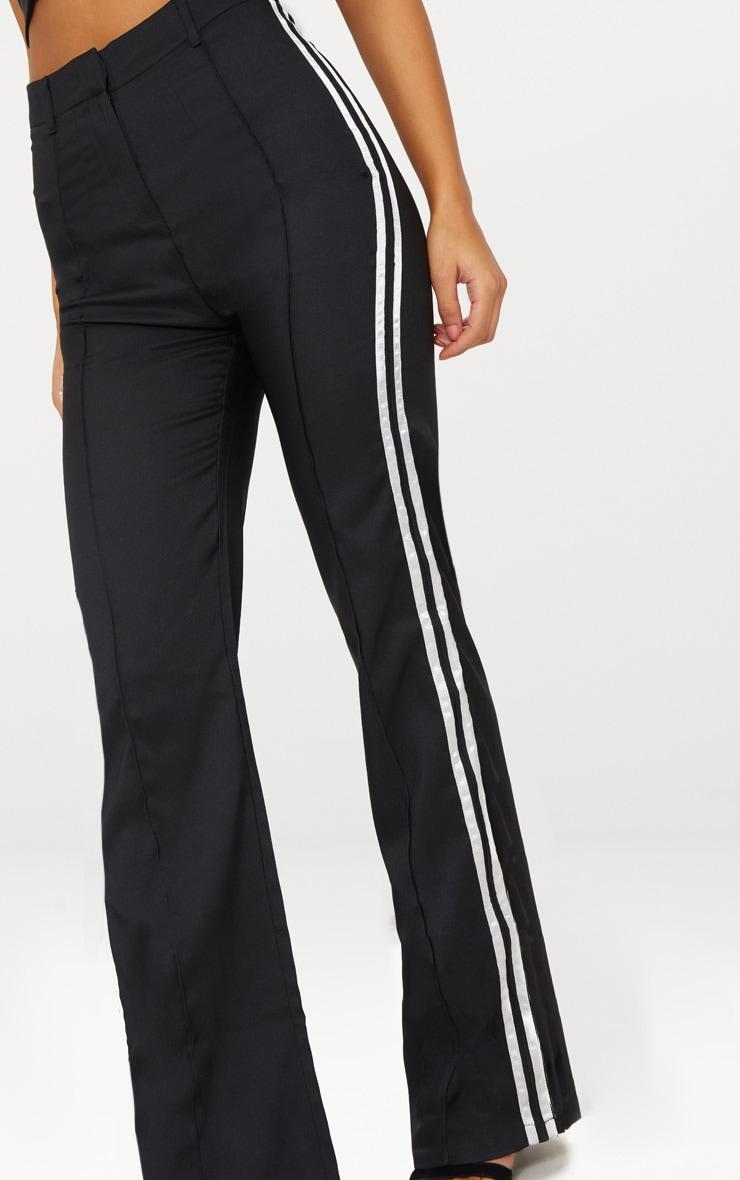 Pantalon noir taille haute à coupe droite et bandes latérales 5