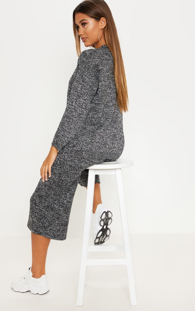Grey Knitted Cropped Length Co-ord 2