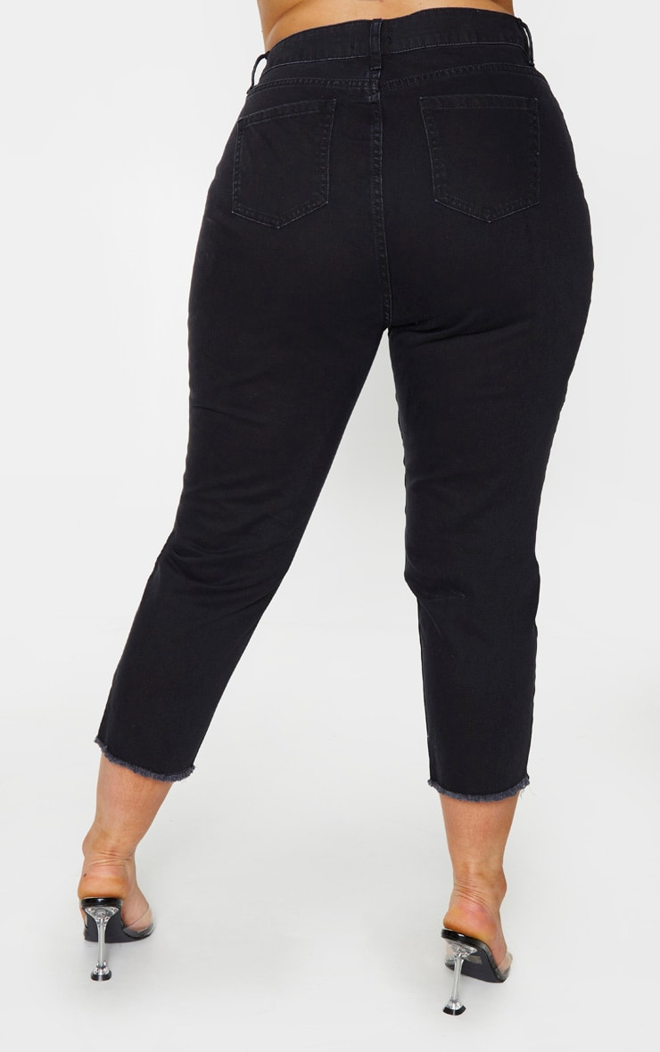 Plus Black Fray Hem Mom Jeans 3