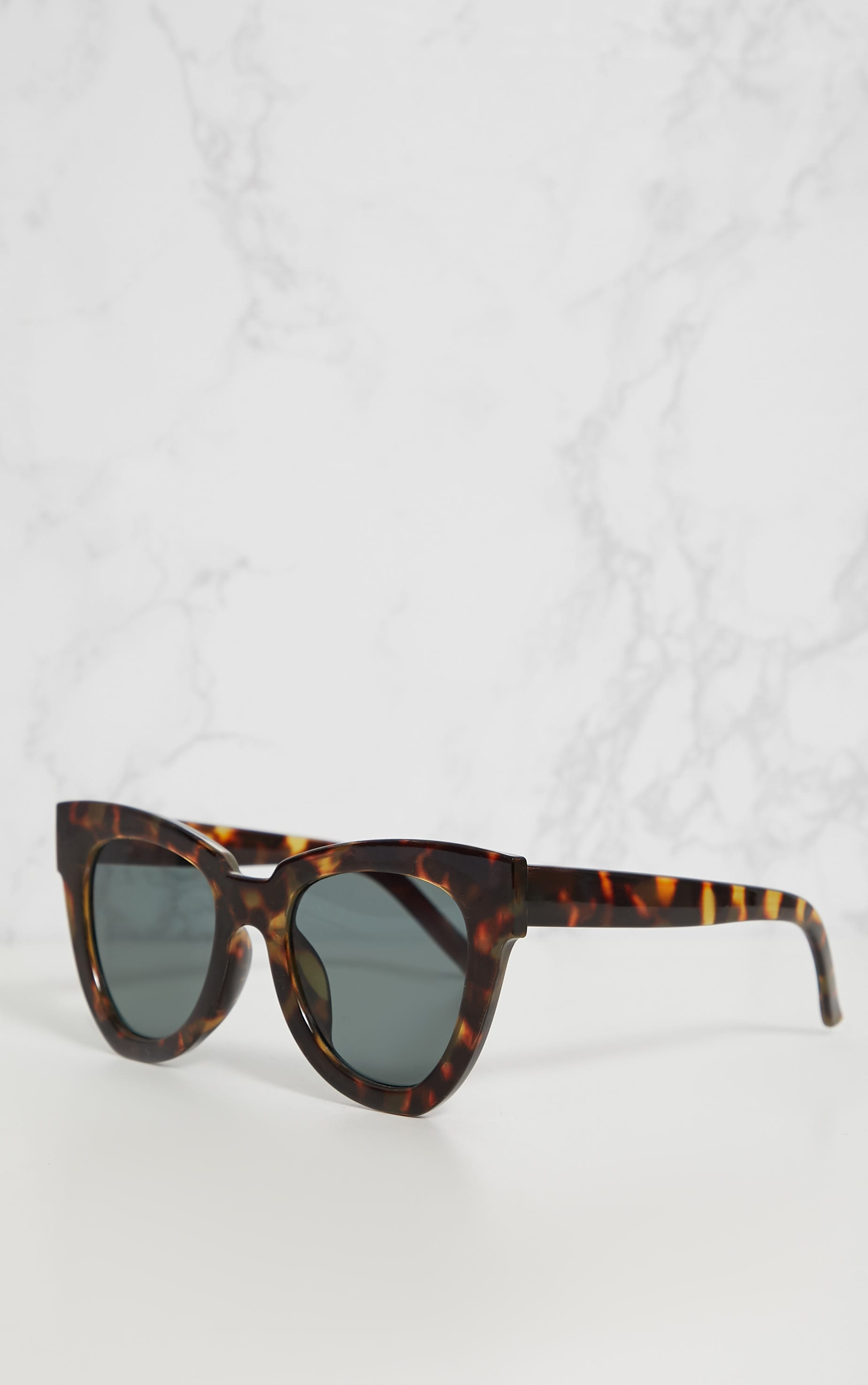 Tortoise Shell Winged Sunglasses 2