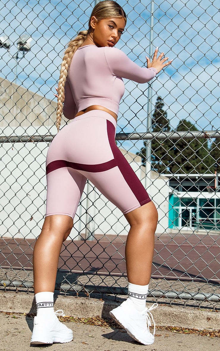 PRETTYLITTLETHING Lilac Sport Colour Block Cycle Short 1