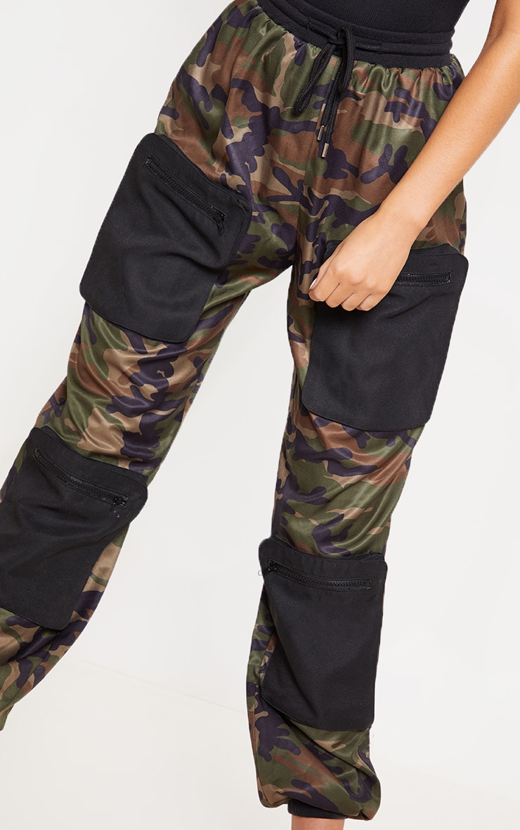Green Camo 3D Pocket Detail Cargo Trousers 5